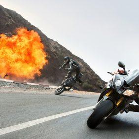 """Nuestra  BMW Motorrad S 1000 RR y el nuevo BMW M3 en  """"Misión Imposible"""""""